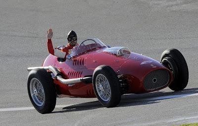 Фернандо Алонсо на трассе имени Рикардо Тормо в Валенсии за рулем Ferrari 375 Indianapolis 1954