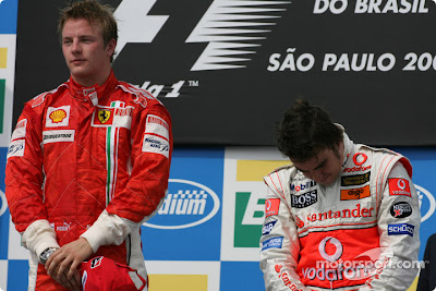Кими Райкконен и Фернандо Алонсо на подиуме Гран-при Бразилии 2007