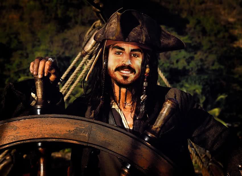 капитан Фернандо Алонсо по мотивам Джека-Воробья из Пиратов карибского моря