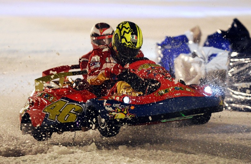 Валентино Росси за рулем карта на ледовой гонке Wrooom 2011