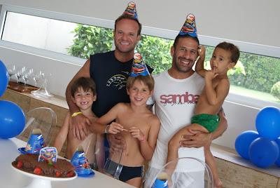 Рубенс Баррикелло и Тони Канаан с детьми