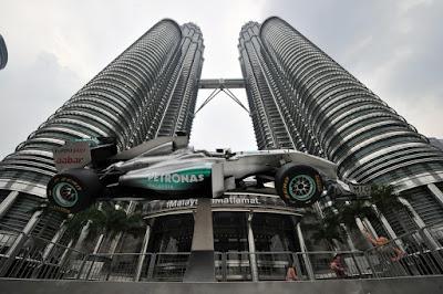 болид Mercedes GP Куала-Лумпур