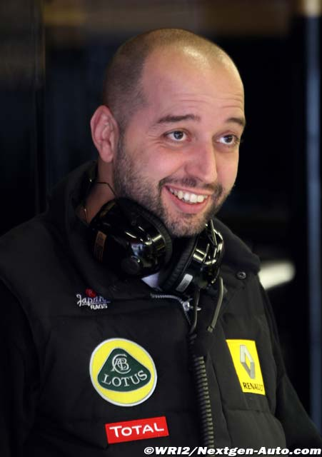 Жерар Лопес на предсезонных тестах 2011 в Барселоне