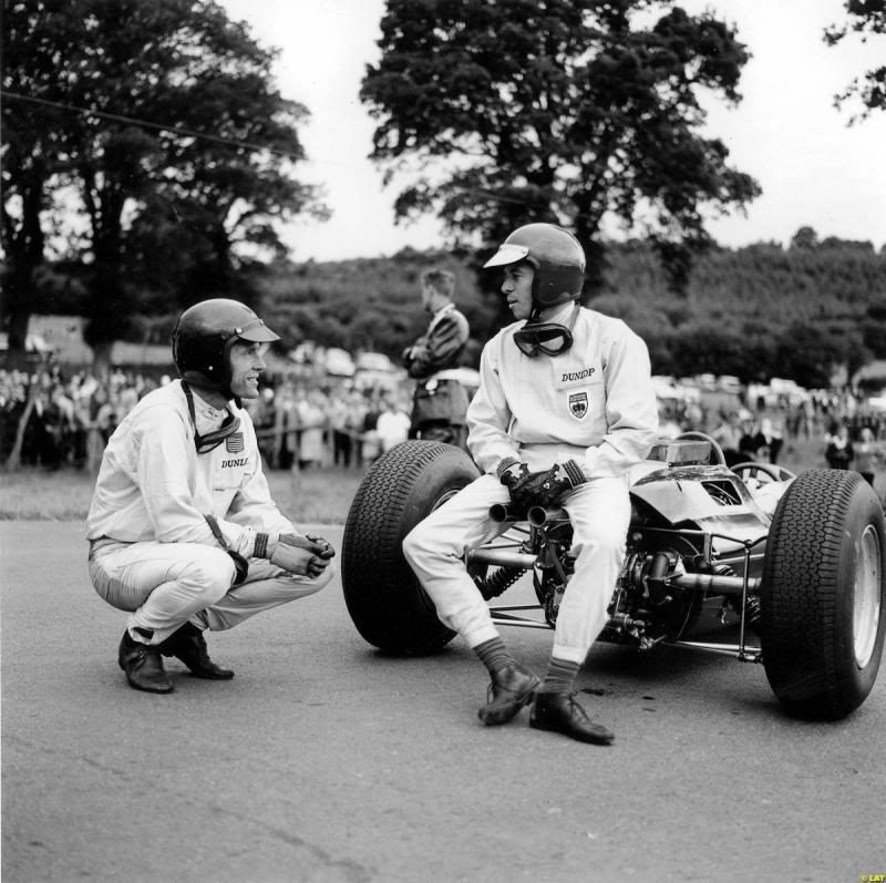 Джим Кларк и Грэм Хилл на Гран-при Бельгии 1964