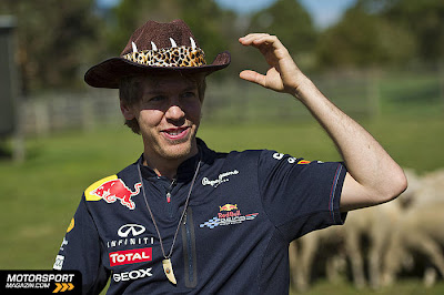Себастьян Феттель в ковбойской шляпе на ферме в Мельбурне