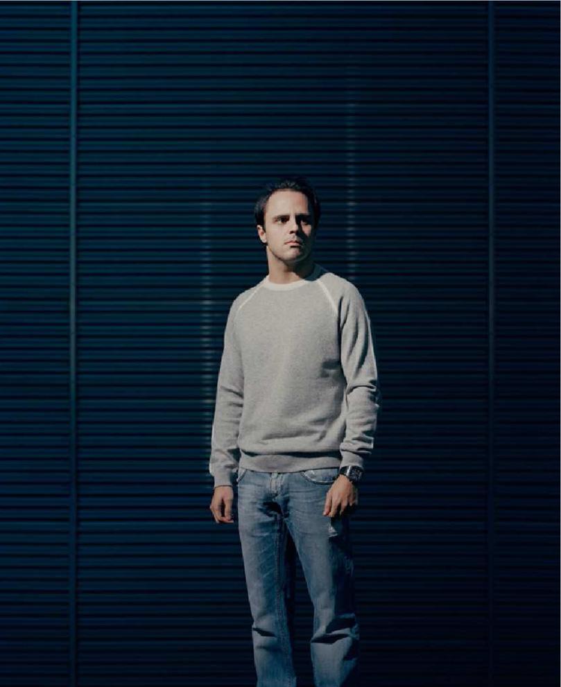 фото Фелипе Массы в книжке The Official Ferrari Opus Book