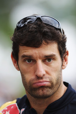 Марк Уэббер с не очень счастливым видом на Гран-при Малайзии 2011