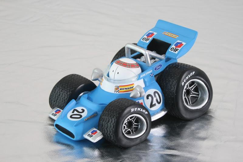 игрушечный Tyrrell Джеки Стюарта в стиле комиксов Jim Bamber