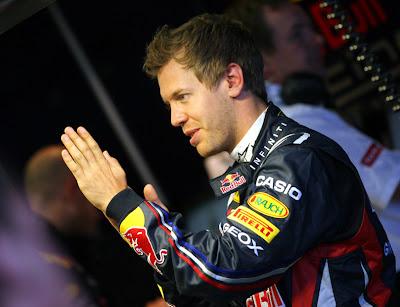 ладоши Себастьяна Феттеля в Шпильберге на открытии трассы Red Bull Ring 14 мая 2011