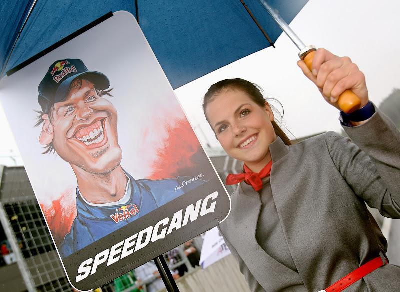 Себастьян Феттель карикатуры пит-герлз Red Bull Ring Вне трека 2011
