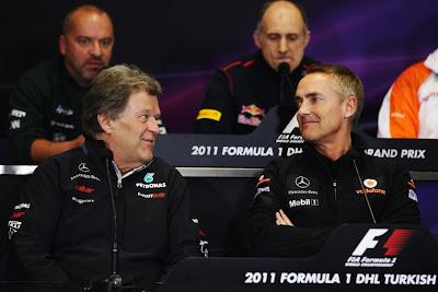 Норберт Хауг и Мартин Уитмарш на пресс-конференции на Гран-при Турции 2011
