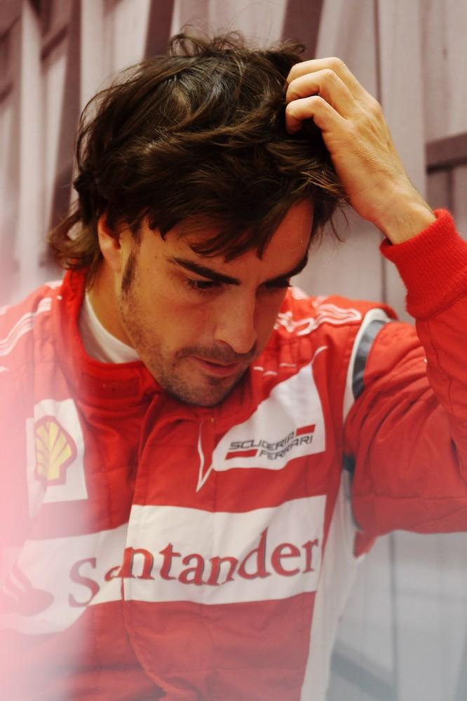 Фернандо Алонсо чешет голову на Гран-при Турции 2011