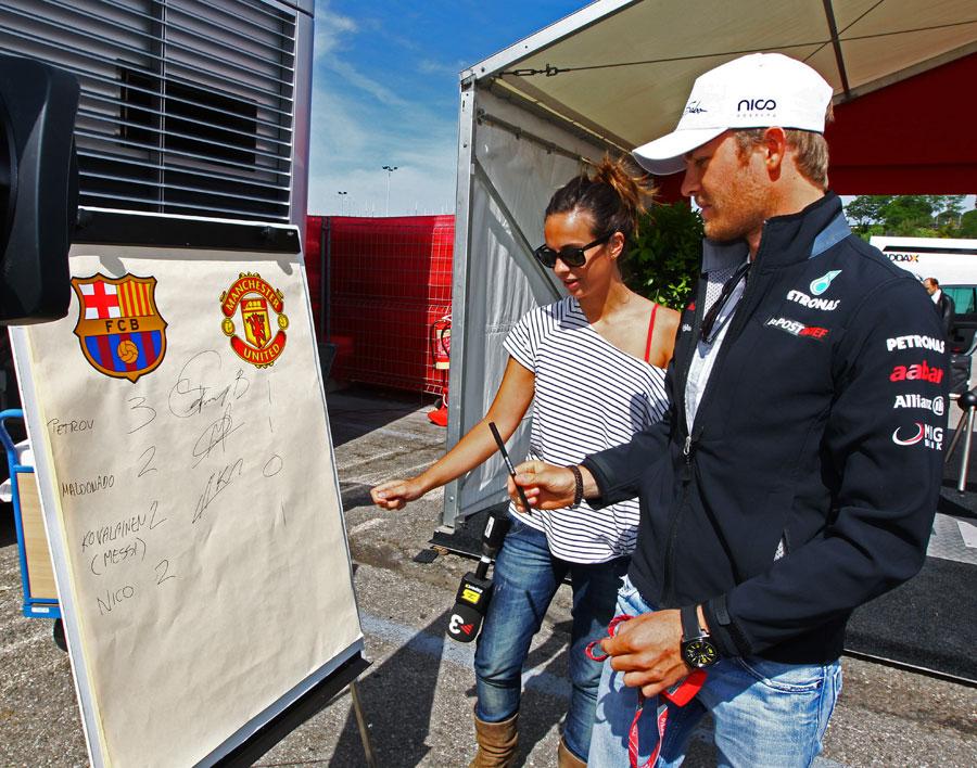 Нико Росберг предсказывает счет в финальном матче Лиги Чемпионов на Гран-при Испании 2011