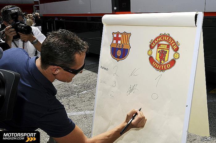 Михаэль Шумахер предсказывает счет в финальном матче Лиги Чемпионов на Гран-при Испании 2011