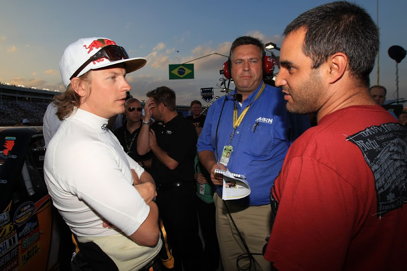 Кими Райкконен и Хуан Пабло Монтойя перед стартом гонки в Шарлотте