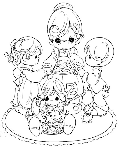 Mom cooking biscuits coloring pages