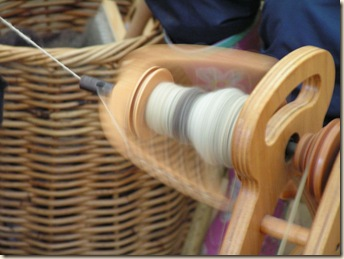 800px-Wool_Spinning