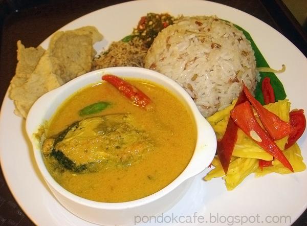Pondok cafe special nasi dagang