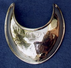 gorget2