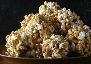 halloween-christmas-popcorn-balls