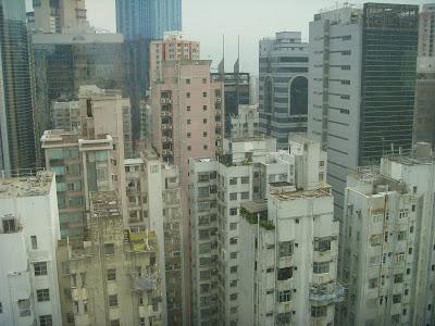 高層アパートの屋上