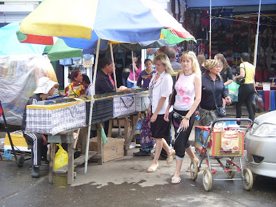 中国市場の露店
