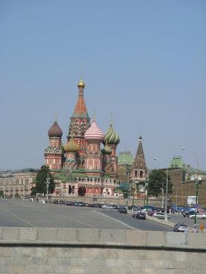 モスクワ川から見た聖ワシリイ大聖堂