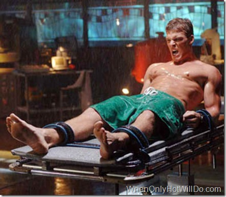 "SMALLVILLE ""Aqua"" (Episode #506) Image #SM506-0768 Pictured: Alan Ritchson as Aquaman Credit: © The WB/Sergei Bachlakov"