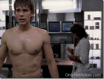 christopher-gorham-shirtless-03