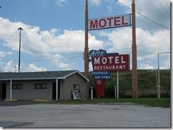 47 Rte 66 Art's Motel Farmersville IL