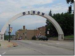 0213  Dixon IL Victory Memorial Arch