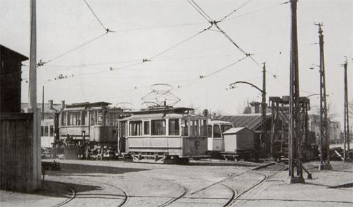 Foto 1953. Infarten till vagnhallen Uppsala spårvägar