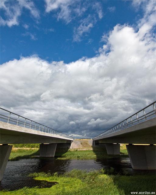 Två motorvägsbroar över Fyrisån vid Fullerö