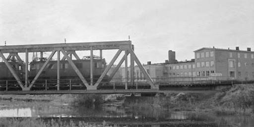 Järnvägsbron över Fyrisån, fackverkskonstruktion