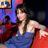 36282_Zooey_Deschanel_76_122_207lo.jpg