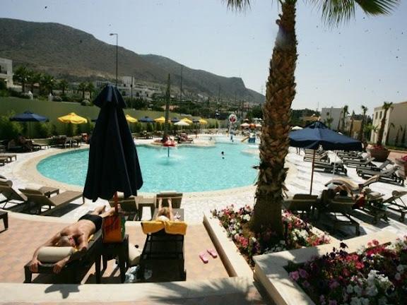 Hotel_in_Crete.gif