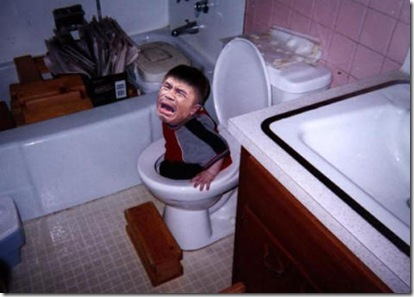 funny pic of Pacquiao trapped in a toilet bowl