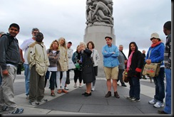 113 - OsloBG - Mini Tour - Vigeland Park and bloggers