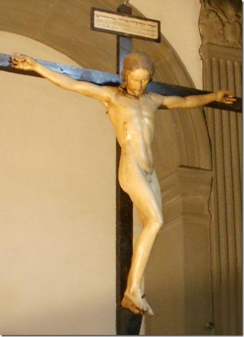 Santo_Spirito,_sagrestia,_crocifisso_di_michelangelo_04