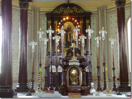 34. Altar-mor e sacrário