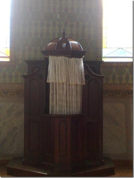 46. Confessionário