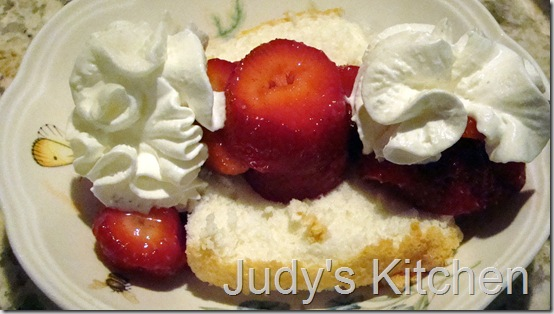 angel food cake with strawberries (6)