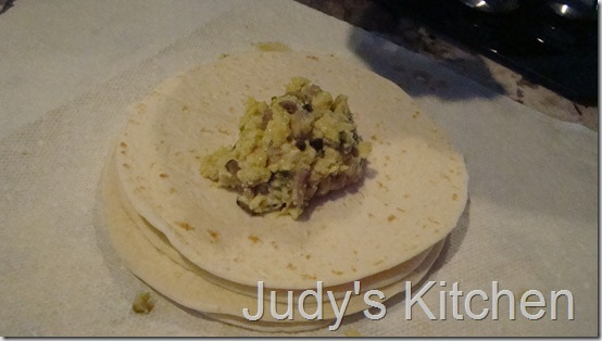 Breakfast burritos (3)