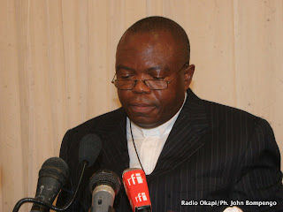 – Pasteur Ngoy Mulunda, président de la Ceni ce 30/04/2011 a Kinshasa, lors de la publication du calendrier électorale. Radio Okapi/Ph. John Bompengo