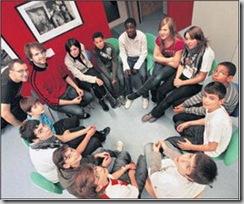 Une dizaine de jeunes ont parlé sans tabou du racisme et de ses conséquences au Centre de quartier des Bossons
