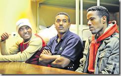 Dans leur chambre, les Erythréens racontent leur parcours. Expliquent que s'ils rentrent chez eux, ils iront en prison. Au mieux ...