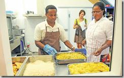 Ammar et Christine Adoudé travaillent à Malley dans un centre ouvert par l'Etablissement vaudois d'accueil des migrants (Evam). Ils préparent le repas pour les requérants d'asile mineurs qui y logent. LAUSANNE, LE 29 JUILLET 2009, photo Philippe Maeder