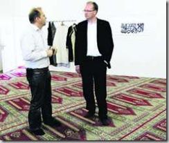 Maurice Ropraz, préfet de la Gruyère, et l'imam Ramadan Shabani