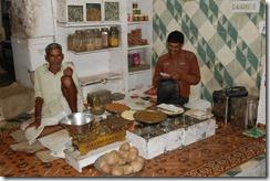 India 2010 -  Jaipur , paseo nocturno por el mercado , 15 de septiembre   35