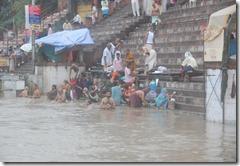 India 2010 -Varanasi  ,  paseo  en barca por el Ganges  - 21 de septiembre   77